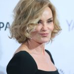 "So Jessica Lange Would Return to ""American Horror Story"" After All"