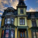 1875 Mansion Is Being Sold For Dirt Cheap, But No One Wants To Buy It Because It's Haunted